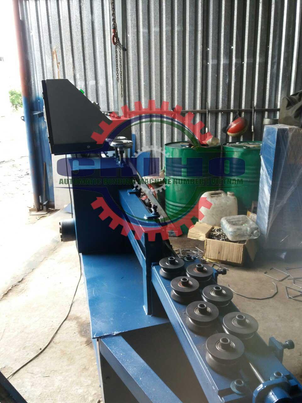 Các dòng máy máy bẻ đai sắt của công ty Chí Hướng (Chiho)