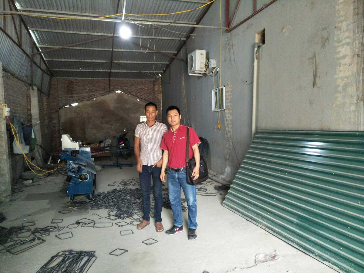 Khách hàng mua máy bẻ đai sắt tại Quảng Ninh