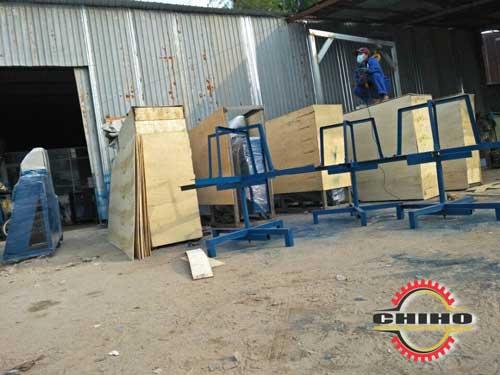 Đóng gói máy bẻ đai máy bẻ đai sắt về Bình Dương