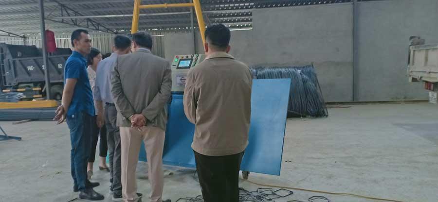 Giao máy bẻ đai sắt tại quảng ninh